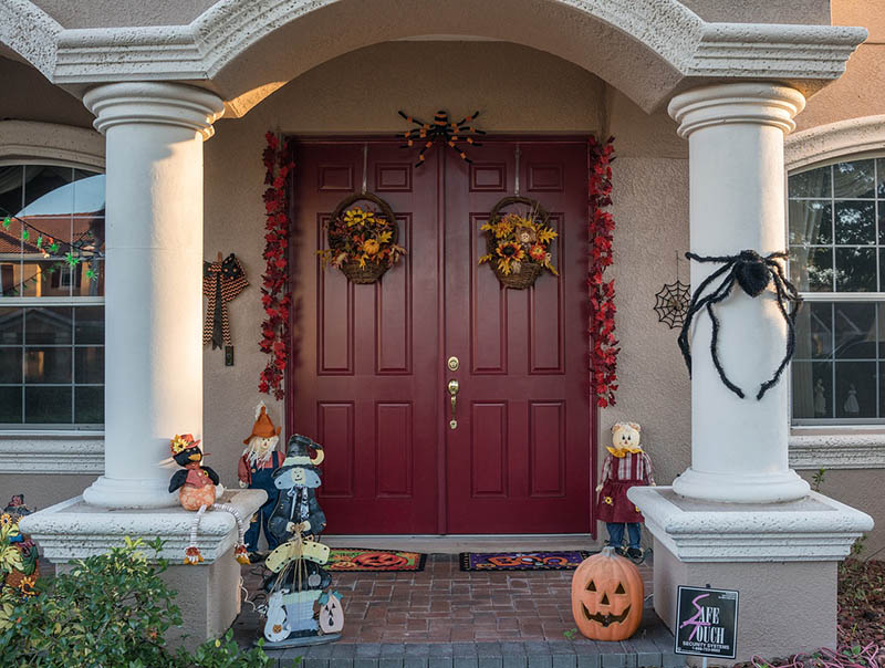 autumn door, Kelly's Kleaning provides seasonal cleaning services to individuals around the Berks County and Lancaster County area.